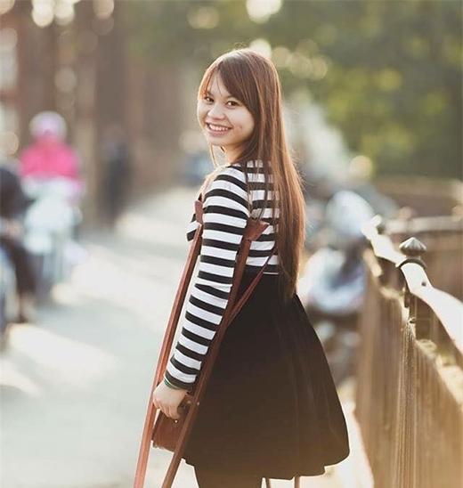 Mặc dù không có cơ thể đầy đủnhư mọi người, cô gái vẫnvượt qua khó khăn và luônnở nụ cười thật tươi,không bao giờ nản chí.
