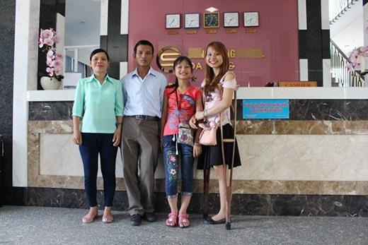 Thu cùng gia đình trong chuyến đi du lịch tại Đà Nẵng – phần quà sau chương trình Hôm nay ai đến?.