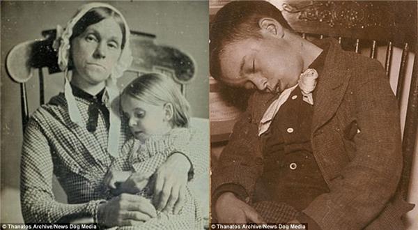 Một người mẹ chụp ảnh với đứa con gái đã chết vào những năm 1840 (trái). Bên phải là một cậu bé đã chết ngồi ngoẹo cổ trên chiếc ghế, được chụp vào năm 1901.
