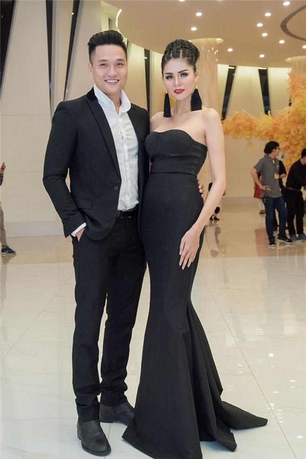 Á hậu Kim Nguyên và bạn trai siêu mẫu Hùng Trần