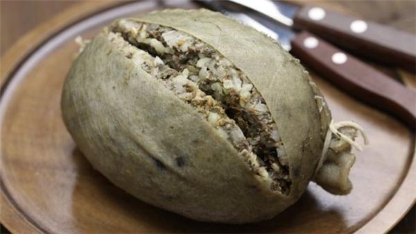 Haggis là món ăn truyền thống của người Scotland.