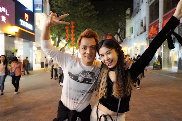 Đăng Khôi - Thủy Anh là một trong những cặp vợ chồng ngọt ngào nhất showbiz Việt, bởi dù đã có hainhóc tìkháu khỉnh, hai người vẫn đồng hành cùng nhau mọi lúc mọi nơi. - Tin sao Viet - Tin tuc sao Viet - Scandal sao Viet - Tin tuc cua Sao - Tin cua Sao