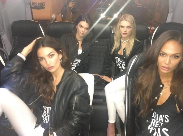 Dàn thiên thần Victoria's Secret cấm em gái Kim Kardashian dự show?