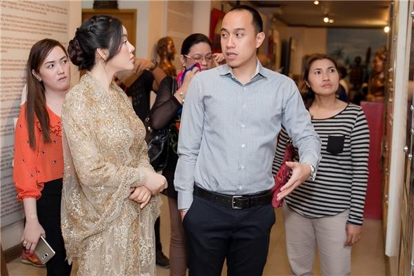 Do điều kiện sức khoẻ, bà Sarah Duterte - Thị trưởng Thành phố Davao, cũng là con gái Tổng thống Duterte không có mặt tại. Đón tiếp Lý Nhã Kỳ là trợ lý của bà, ông Tristan Dwight P. Domingo.