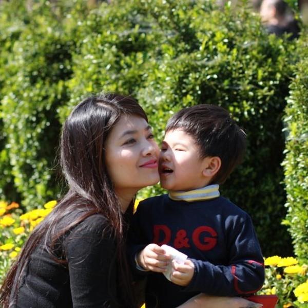 """Sau khi rời khỏi """"ngôi nhà chung"""" VTV, BTV Diệp Anhdành thời gian chăm lo cho gia đình đồng thờithực hiện các dự án từ thiện giúp đỡ cho những hoàn cảnh khó khăn cơ cực."""