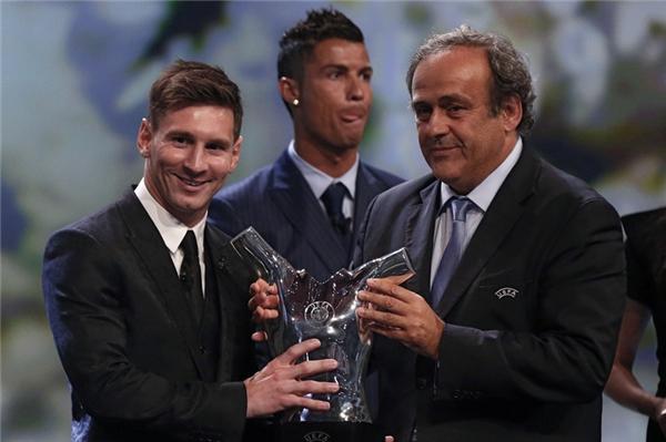 """""""Messi tài năng thiên bẩm, Ronaldo khổ luyện thành tài."""" Người ta vẫn thường nói như thế khi so sánh hai cầu thủ."""