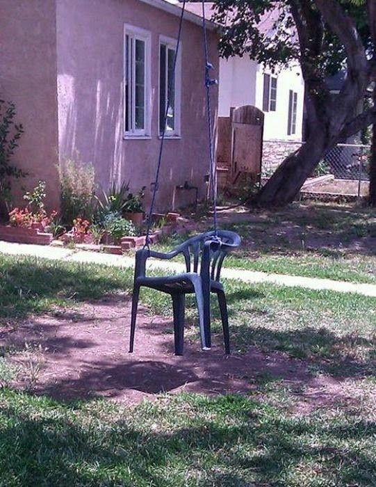 Mình thích thì mình đánh đu bằng ghế thôi.