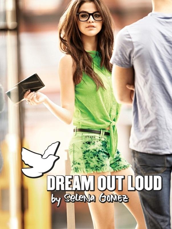 Selena Gomez thành nhà thiết kế đẳng cấp thế giới với hợp đồng 227 tỉ