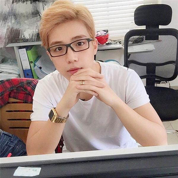 Có ai bị nhầm lẫn chàng trai này với trai Hàn không?(Ảnh: Internet)