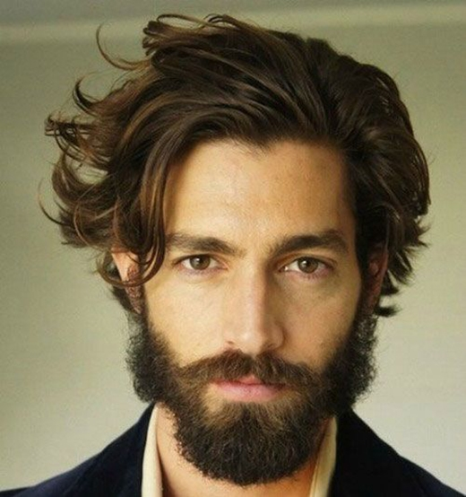 Kiểu tóc Long Hair Quiff mang lại cho bạn vẻ điển trai rất cổ điển pha lẫn chút lãng tử hào hoa.