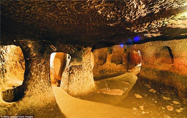 Công trình kiến trúc đặc biệt này có tên là Derinkuyu.