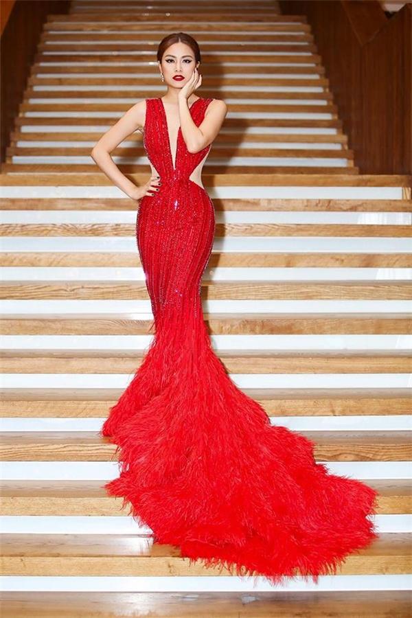 Những chiếc váy đuôi cá đẹp mãn nhãn của mỹ nhân Việt tuần qua