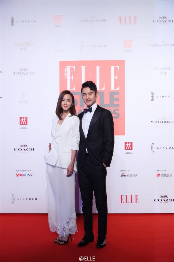 Viên Hoằng và bà xã Trương Hâm Nghệ.