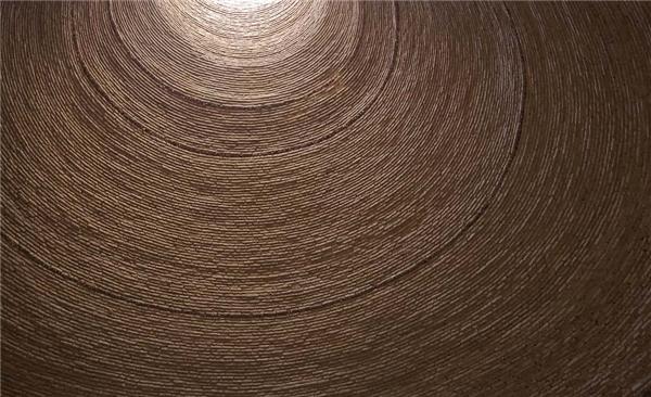 Tường được làm từhỗn hợp của cát, đất sét, lòng trắng trứng, chanh, lông dê, và tro. (Ảnh: internet)