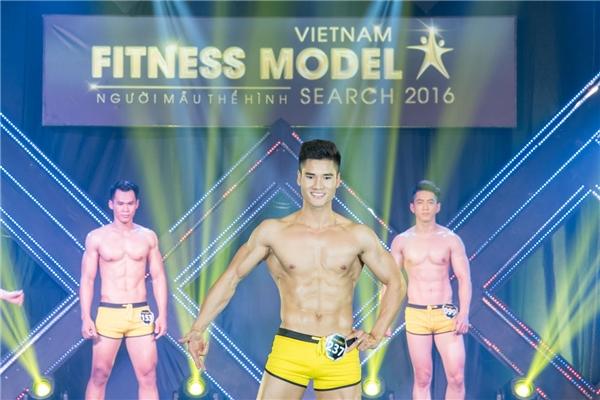 """Nguyễn Mạnh Kiên trở thành quán quân """"Vietnam Fitness Model 2016"""""""