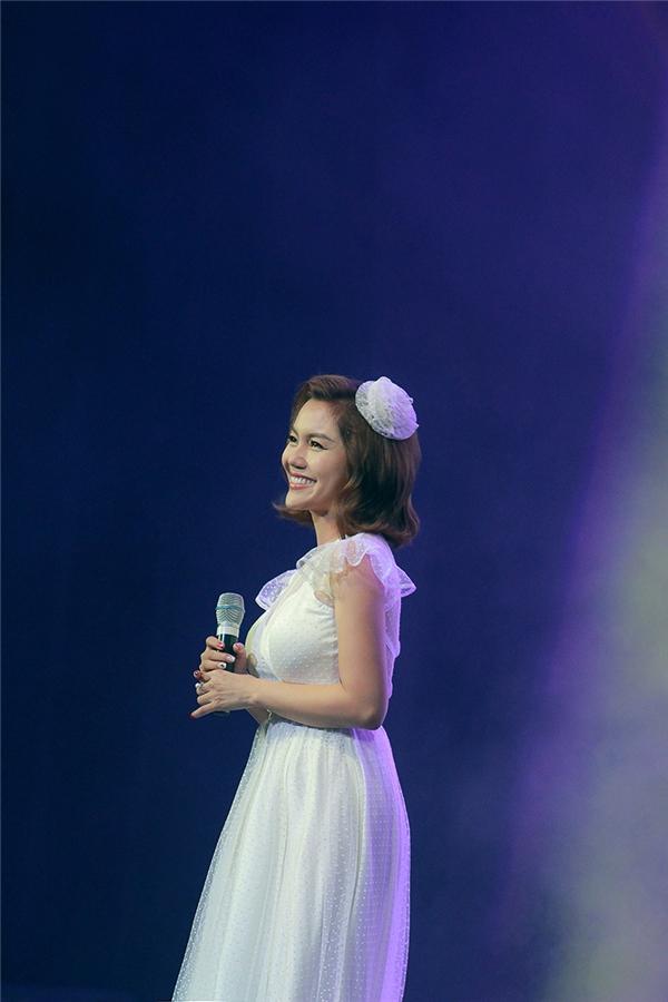 Mải mê chạy show, Ngọc Anh quên cả sinh nhật của mình - Tin sao Viet - Tin tuc sao Viet - Scandal sao Viet - Tin tuc cua Sao - Tin cua Sao
