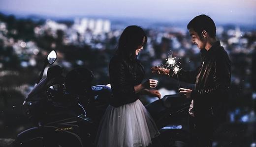 Bắt mạch những biểu hiện của một anh chàng yêu bạn thật lòng