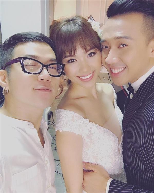 Hình ảnh Trấn Thành và Hari Won đến thử đồ cưới tại studio Chung Thanh Phong. - Tin sao Viet - Tin tuc sao Viet - Scandal sao Viet - Tin tuc cua Sao - Tin cua Sao