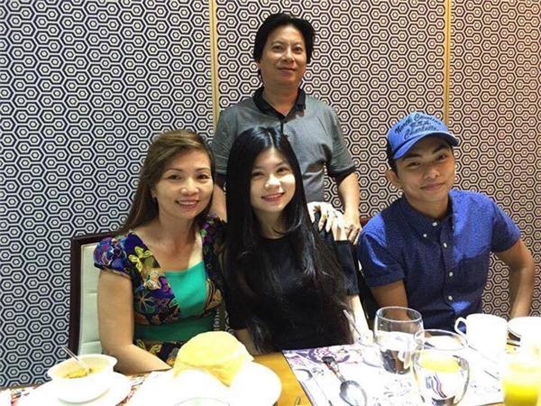 Phan Hiển bên bố mẹ ruột và em gái - Tin sao Viet - Tin tuc sao Viet - Scandal sao Viet - Tin tuc cua Sao - Tin cua Sao