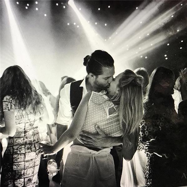 Bức ảnh mới nhất được Margot đăng tải trên Instagram. Có vẻ như cô nàng đang rất hạnh phúc.