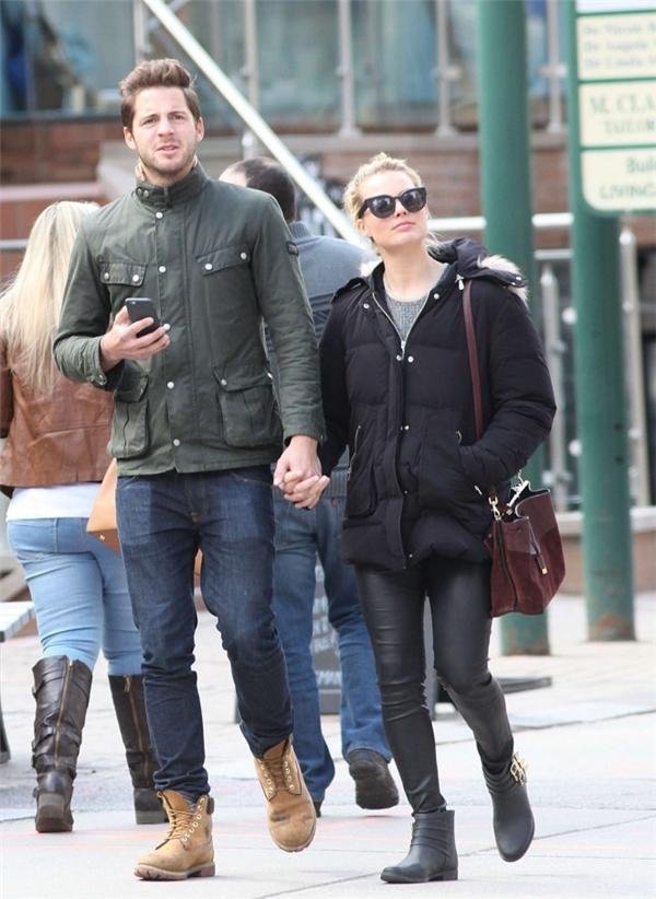 Bất ngờ nàng Harley Quinn đã bí mật kết hôn cùng bạn trai lâu năm