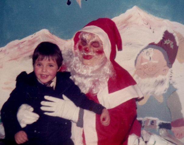 Santa hay Satan?