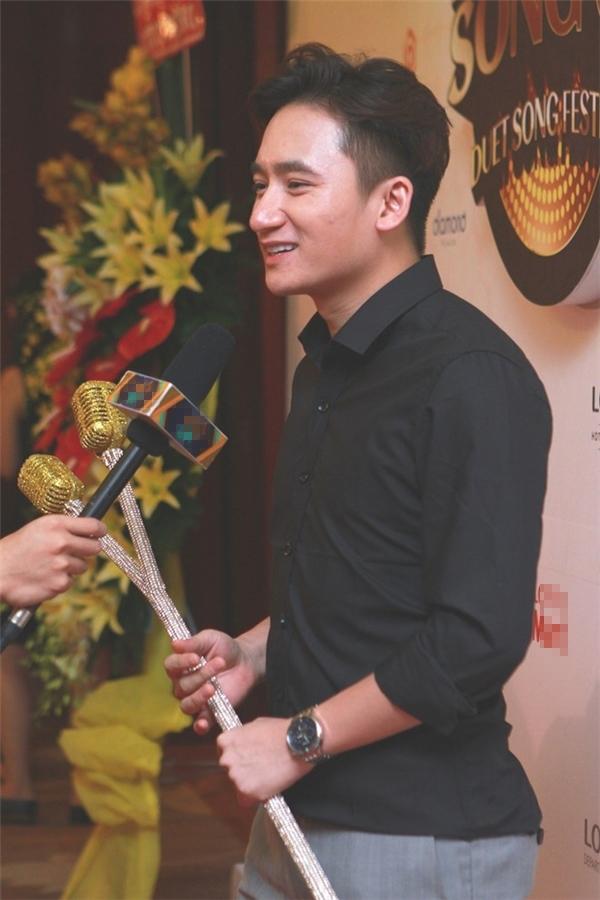 Phan Mạnh Quỳnh là một trong số các khách mời tham gia vào chương trình. - Tin sao Viet - Tin tuc sao Viet - Scandal sao Viet - Tin tuc cua Sao - Tin cua Sao