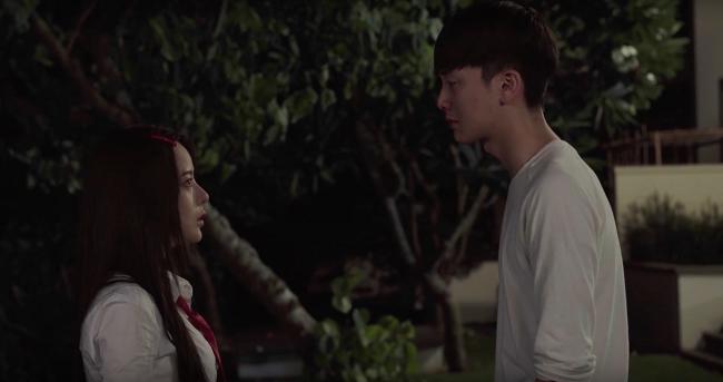 Seon Tae biết được ý định của Mari, liền vội vã đuổi theo.