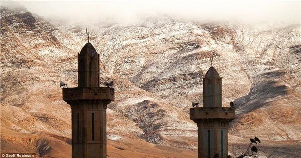Ain Sefra là vùng đất cửa ngõ dẫn vào Sahara. (Ảnh: internet)