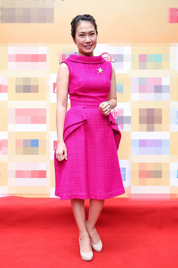 Nữ MC Thanh Thảo Hugo duyên dáng với chiếc đầm hồng trẻ trung. - Tin sao Viet - Tin tuc sao Viet - Scandal sao Viet - Tin tuc cua Sao - Tin cua Sao