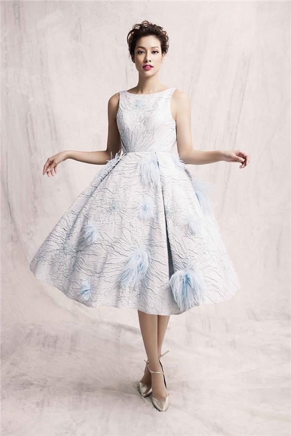 Lilly Nguyễn ngọt ngào đến khó thể rời mắt với váy xòe công chúa