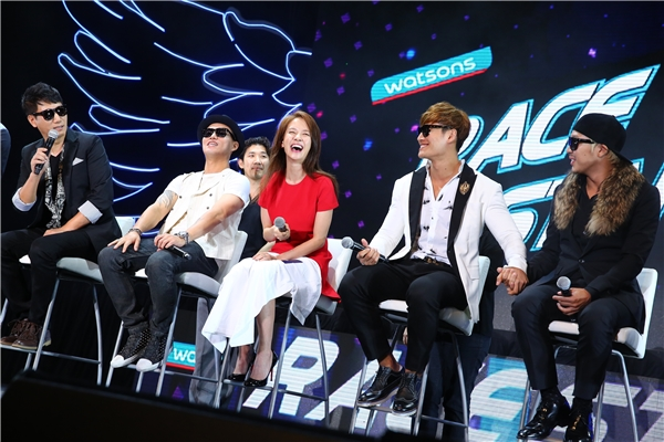 Giữa tâm bão lùm xùm, Running Man vẫn tổ chức tour họp fan châu Á