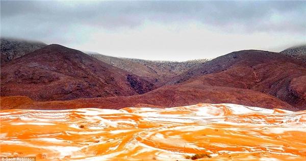 Cảnh tuyết rơi diễn ra ở nơi có độ cao 1000 métso với mực nước biển.