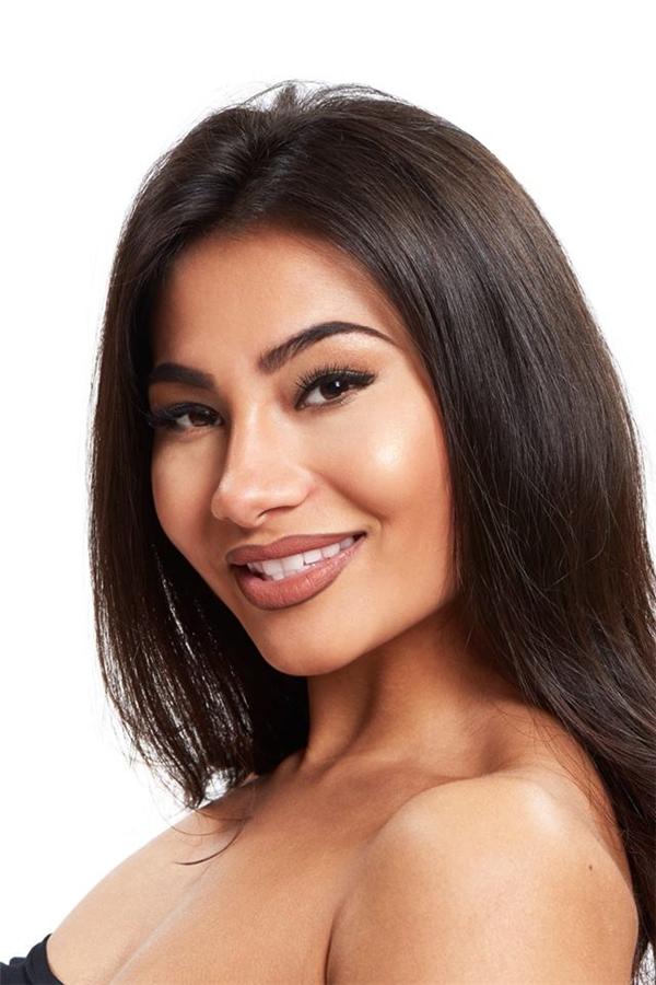 Nigina Sharofova, đại diện Uzbekistan