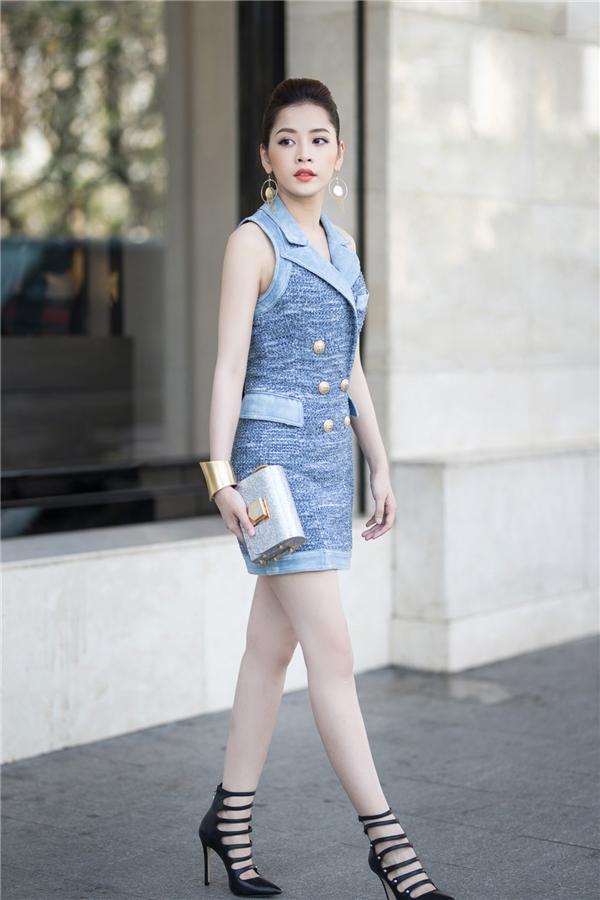 Sáng 22/12, Chi Pu xuất hiện nổi bật khi tham dự khai trương cửa hàng thời trang của gia đình nhà chồng Hà Tăng tại trung tâm TP.HCM. - Tin sao Viet - Tin tuc sao Viet - Scandal sao Viet - Tin tuc cua Sao - Tin cua Sao