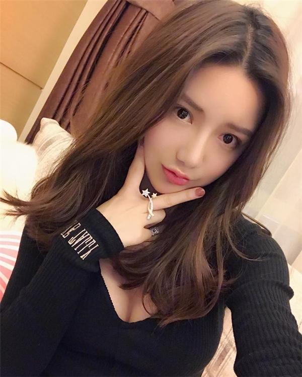 Cô nàng tên Tuyết Nhi, 22 tuổi, đến từ Trung Quốc.