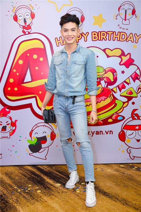 Đào Bá Lộc trẻ trung trong ngày sinh nhật YAN News tròn 4 tuổi. - Tin sao Viet - Tin tuc sao Viet - Scandal sao Viet - Tin tuc cua Sao - Tin cua Sao