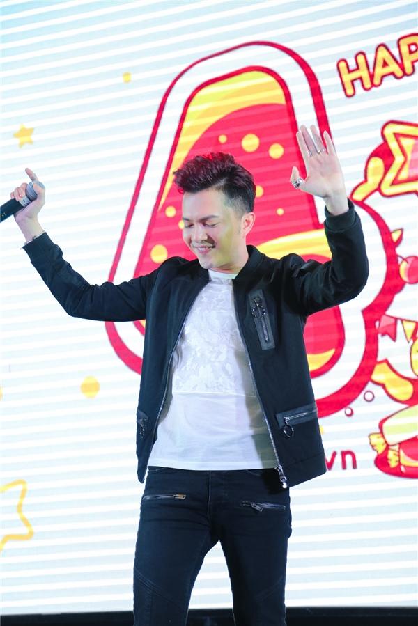 Nam ca sĩ Nam Cường thể hiện một ca khúc mới toanh dành tặng YAN News. - Tin sao Viet - Tin tuc sao Viet - Scandal sao Viet - Tin tuc cua Sao - Tin cua Sao