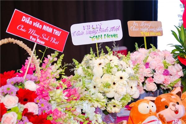 Rừng sao Việt đội mưa đến chúc mừng YAN News tròn 4 tuổi - Tin sao Viet - Tin tuc sao Viet - Scandal sao Viet - Tin tuc cua Sao - Tin cua Sao