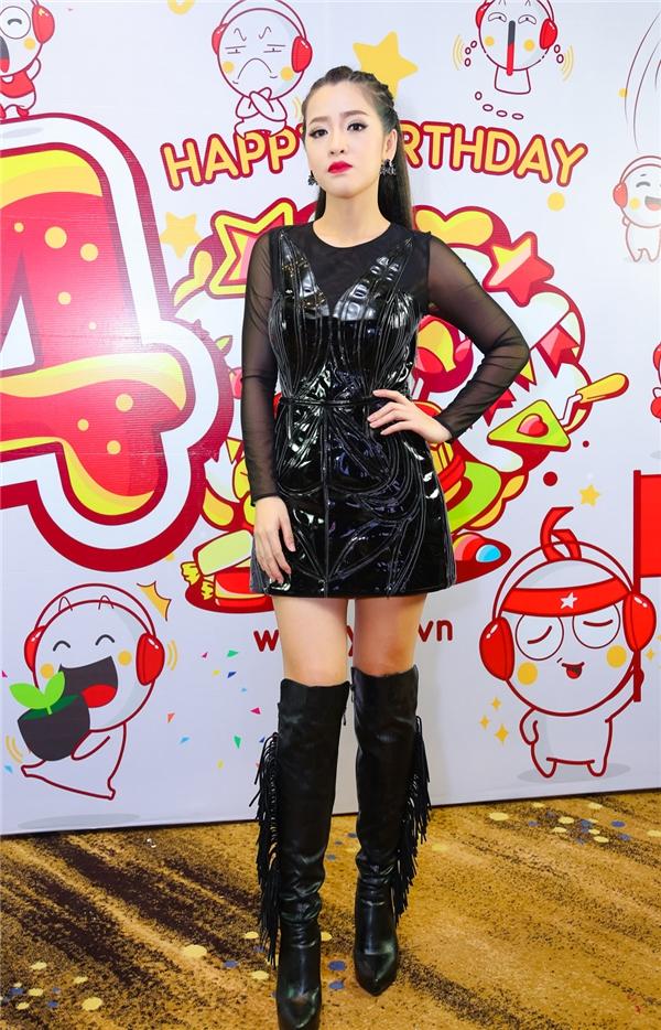 Diện trang phục đen cá tính, Puka trông khá ngầu khi xuất hiện tại sự kiện. - Tin sao Viet - Tin tuc sao Viet - Scandal sao Viet - Tin tuc cua Sao - Tin cua Sao