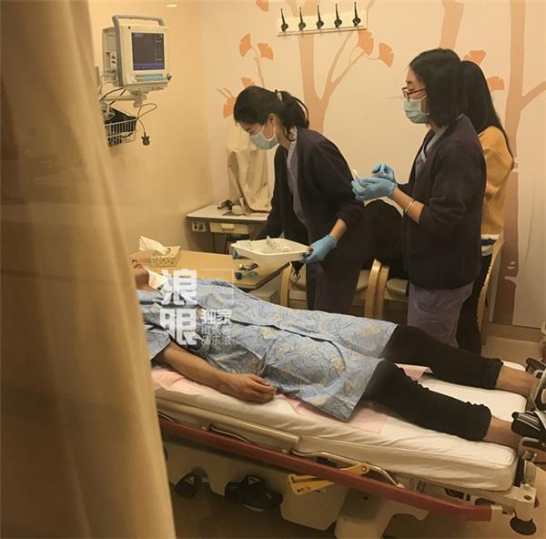 Hình ảnh của Hoàng Tử Thao tại bệnh viện.