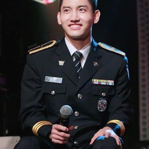 Cảnh sát Shim(Choikang Changmin) được mọi người yêu mến.
