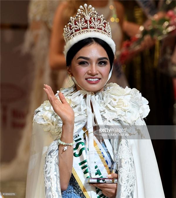 Hoa hậu nào xứng danh nữ hoàng sắc đẹp năm 2016?