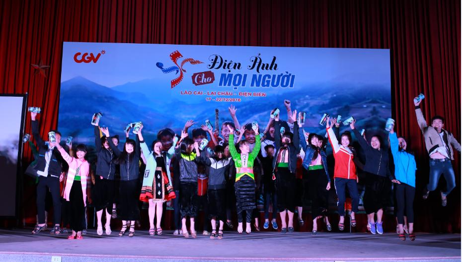 """Khoảnh khắc rất """"kool"""" trong đêm cuối của chương trình Điện ảnh cho mọi người tại Điện Biên."""