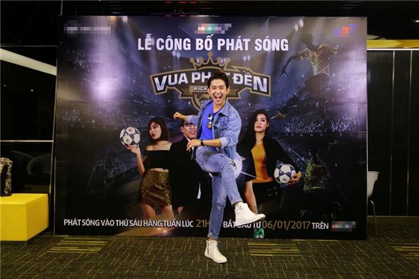 Hot girl Tú Linh tươi tắn rạng rỡ khi hội ngộ VJ Quốc Bảo