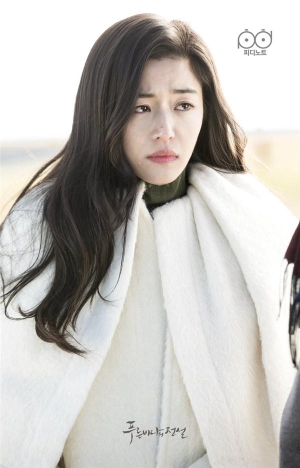 Huyền thoại biển xanh: Bước lùi của Lee Min Ho và Jun Ji Hyun?