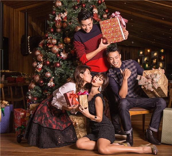 Siêu mẫu Hà Anh xinh đẹp đón Giáng sinh ngọt ngào bên chồng Tây - Tin sao Viet - Tin tuc sao Viet - Scandal sao Viet - Tin tuc cua Sao - Tin cua Sao