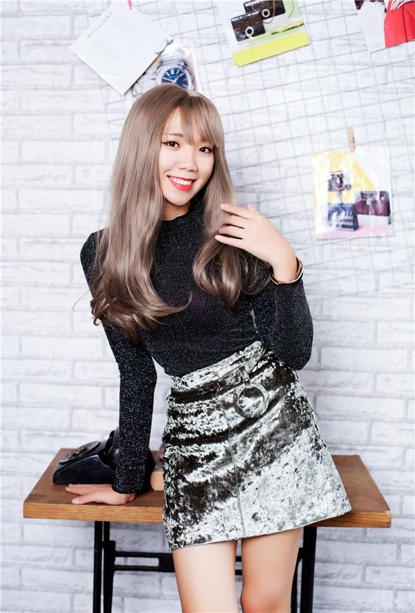Luk Vân vốn thu hút các fantuổi teen bởi những sản phẩm phim online chất lượng đề tài ngôn tình với hàng triệu lượt xem trên Youtube.