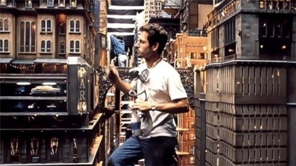 Thành phố giả tưởng trong The Fifth Element (1997) thực chất chỉ là những khối mô hình mà thôi.