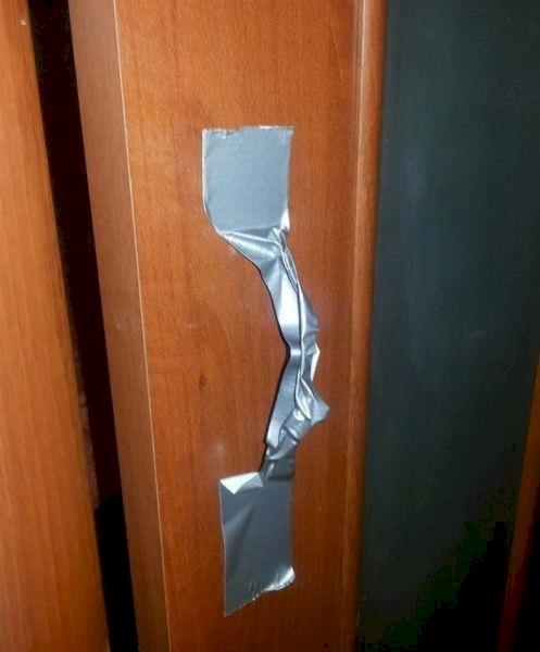 Một ý tưởng hay ho cho những ai lười đóng, mở cửa.